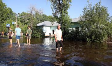 Волна наводнения докатилась до Красноярского края. В Канске действует режим ЧС.