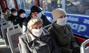 На пленарном заседании Госдума приняла закон, усиливающий уголовную ответственность за нарушение санитарно-эпидемиологических правил.
