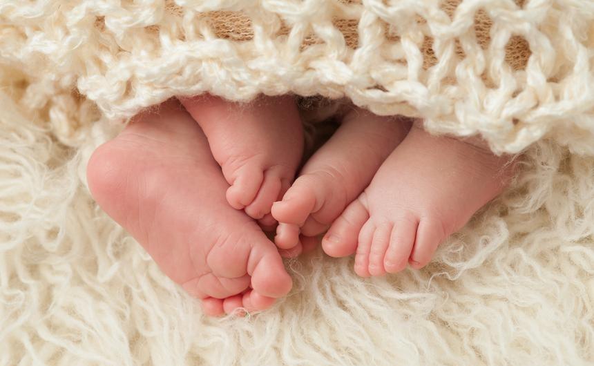 Родители двойняшек и тройняшек в крае получили региональные соцвыплаты. Общая сумма 20,5 млн рублей