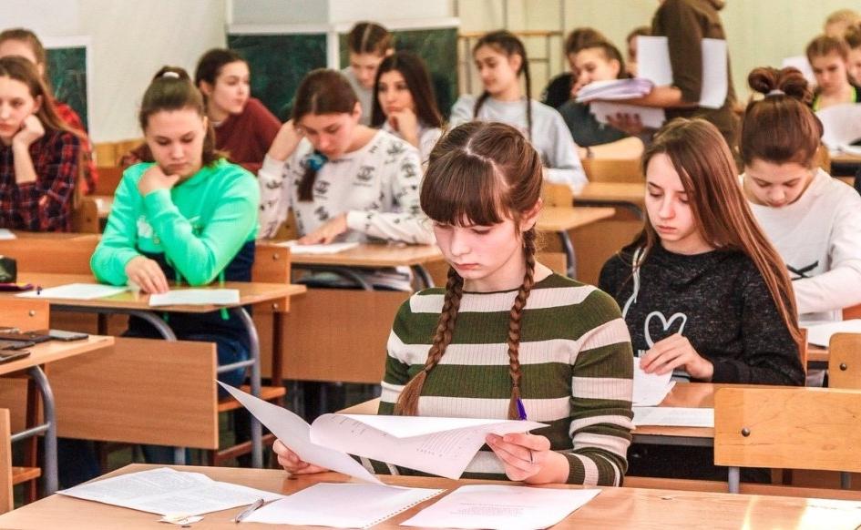 С 11 января 2021 года школьники выйдут на очное обучение